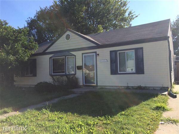 26378 Grandmont St, Roseville, MI