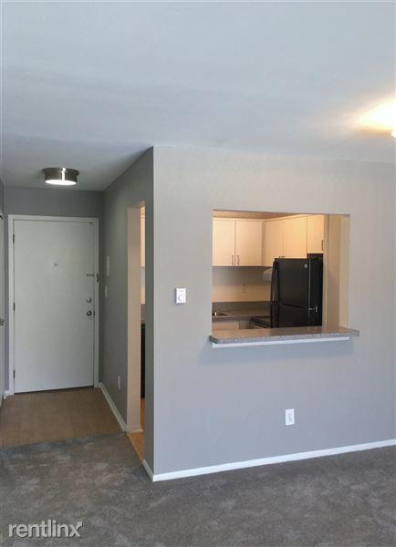 2580 Oxford Rd, Berkley, MI