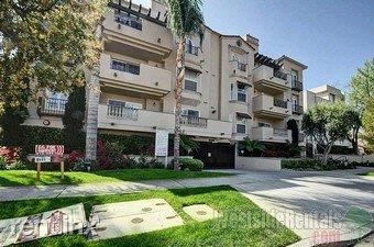 12246 Moorpark St, Studio City, CA