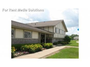 9633 E Pickwick Cir, Taylor, MI