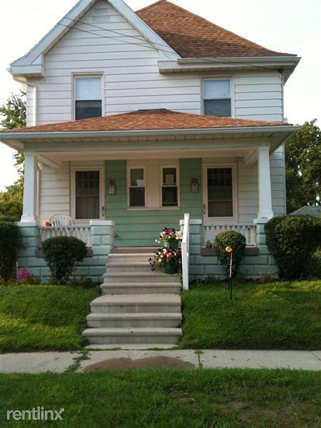 312 Randolph St, Jackson, MI