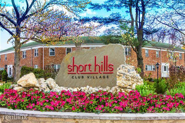 Short Hills Club Village