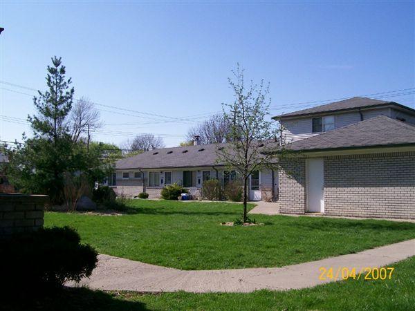 4541 Crooks Rd, Royal Oak, MI