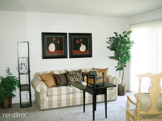 Ashwood Apartments Saint Charles Missouri Living Room