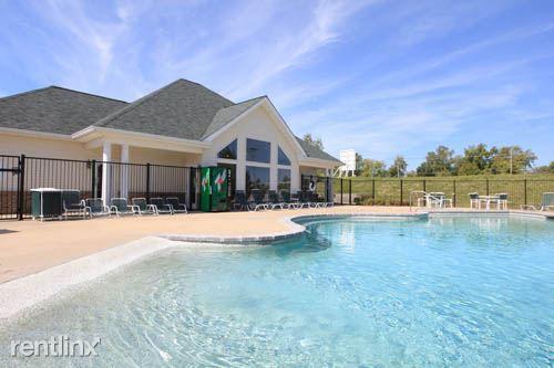Ashwood Apartments St Charles Missouri Swimming Pool