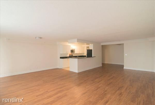 the-towers-at-longfellow-beacon-hill-interior-living-dining-room-23