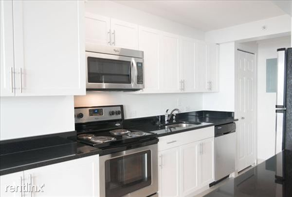 the-towers-at-longfellow-beacon-hill-interior-kitchen-8