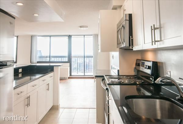 the-towers-at-longfellow-beacon-hill-interior-kitchen-19