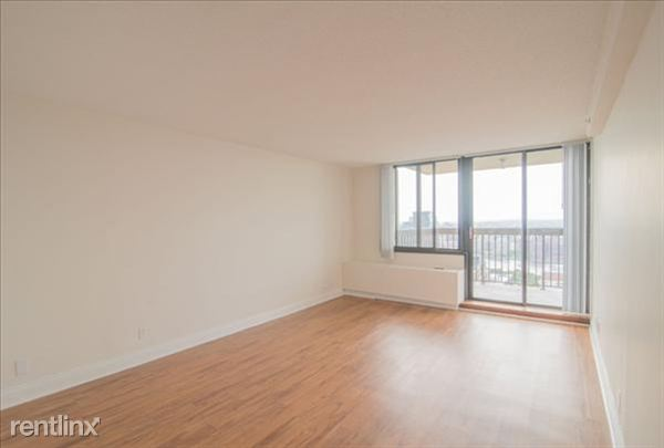 the-towers-at-longfellow-beacon-hill-interior-living-room-21