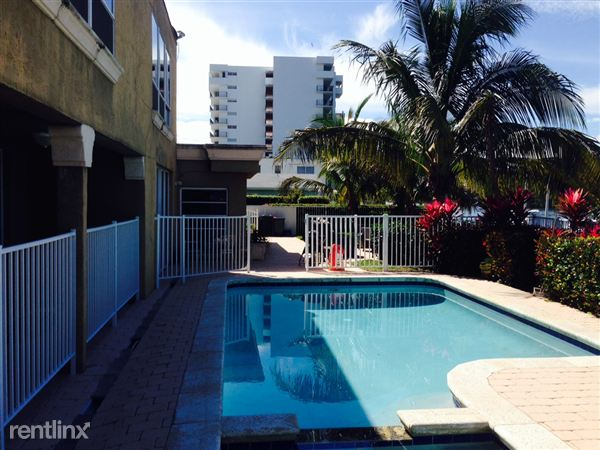 1717 N Riverside Dr, Pompano Beach, FL