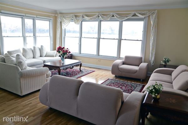 Condo for Rent in Edgewater