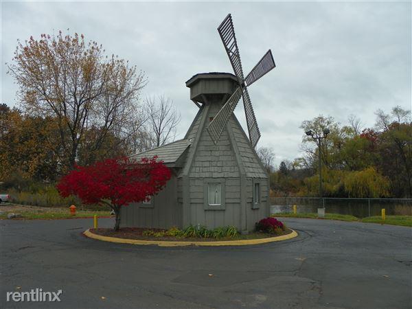 3620 Windmill Dr Apt 116, Waterford, MI
