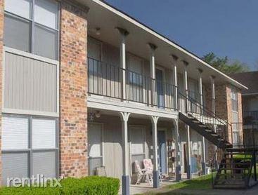 1201 S Johnson St # 1833, Alvin, TX