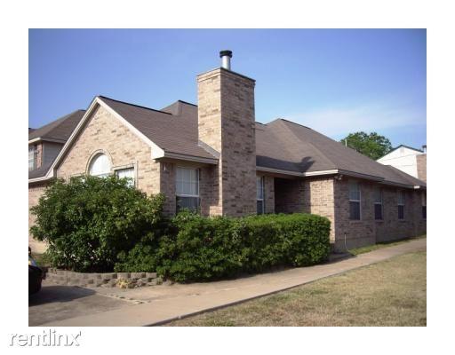 3313b Forestwood Dr, Bryan, TX