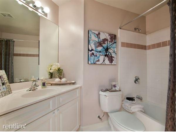 Riverbend bathroom