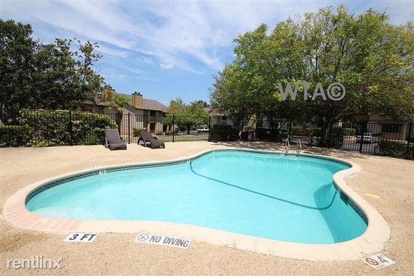 165 Palisades Dr, Universal City, TX