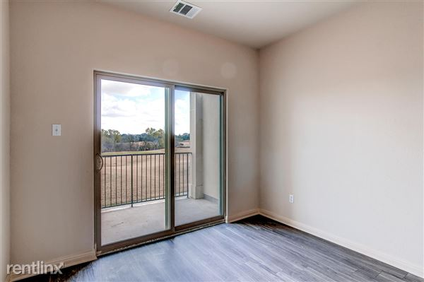 DoubleEagleTownhomes - 3 Bedroom - large-018-Double Eagle Townhomes 1  3-1500x999-72dpi