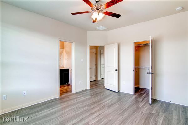 DoubleEagleTownhomes - 3 Bedroom - large-028-Double Eagle Townhomes 1  3-1500x1000-72dpi