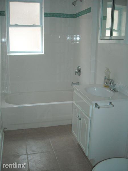 516 #210 Bath