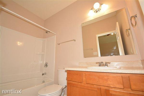 16-Master_Bathroom