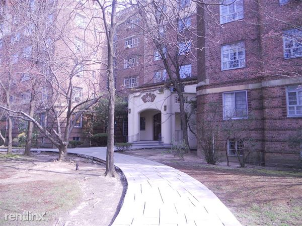 150 Greenway Ter, Forest Hills, NY