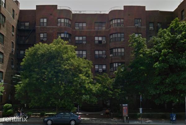 9876 Queens Blvd, Rego Park, NY