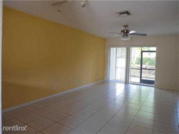 10818 Cypress Glen Dr, Coral Springs, FL