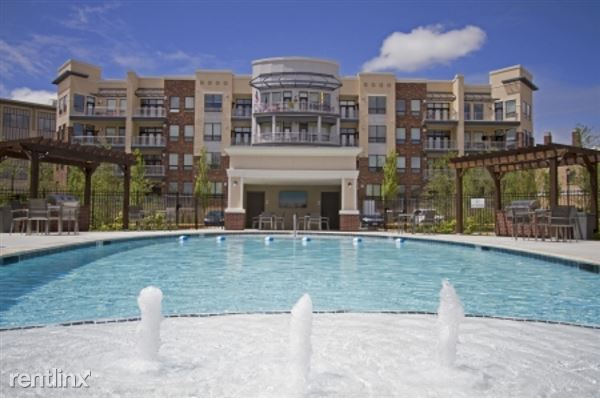 5820 West 115th Place Apt 89571-3, Leawood, KS