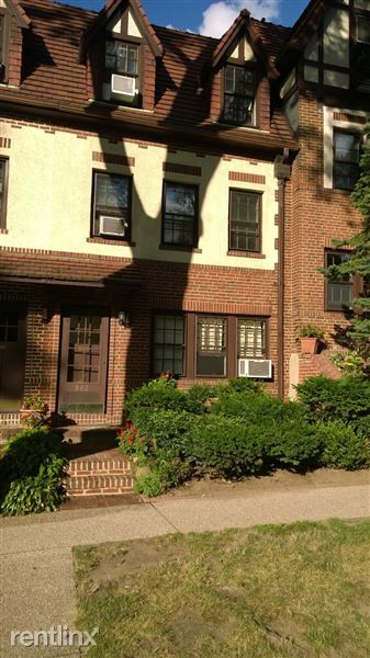 300 Burns St, Forest Hills, NY