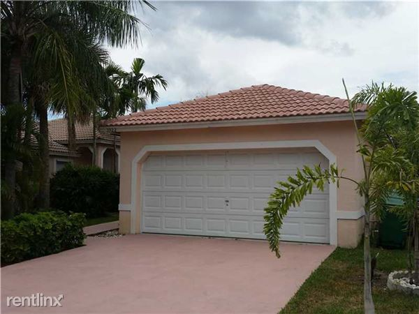 3922 Nw 88th Ter, Coral Springs, FL
