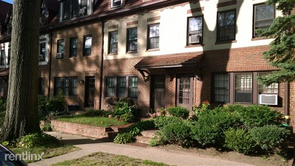 382 Burns St, Forest Hills, NY