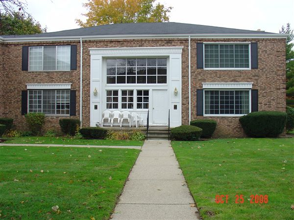 Condo for Rent in Bloomfield Hills