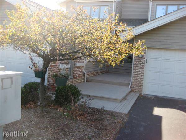 21062 Boulder Cir, Northville, MI