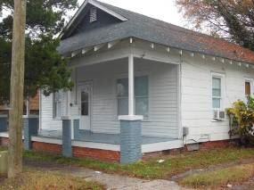 111 E 9th St, Greenville, NC