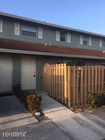 831 Cypress Way E, Palm Springs, FL