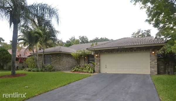 8855 Nw 47th Dr, Coral Springs, FL