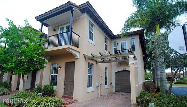 6990 Julia Gardens Dr, Coconut Creek, FL