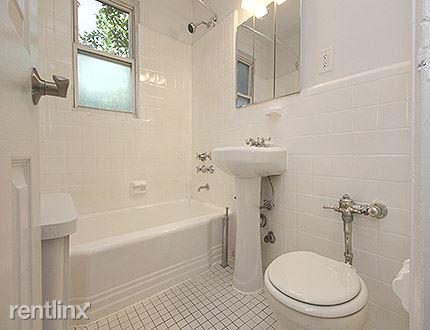2816 172nd St, Flushing, NY
