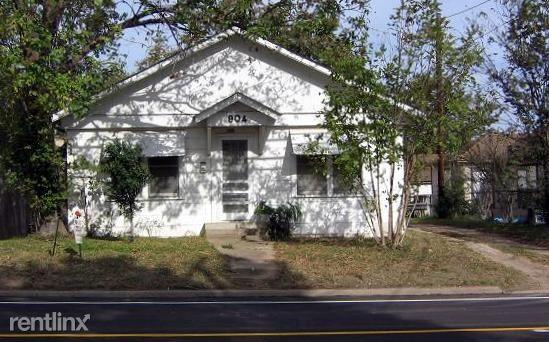 904 E 29th St, Bryan, TX