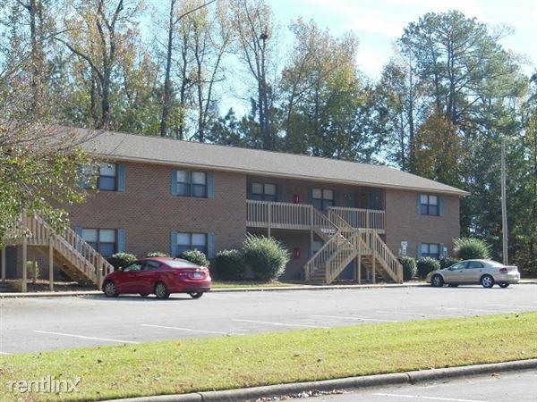 2651 Macgregor Downs Rd, Greenville, NC