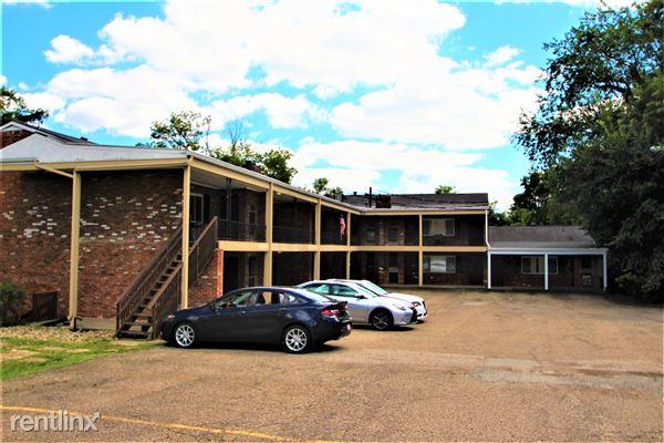 285 Moon Clinton Rd, Moon Township, PA