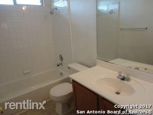 10606 Springwood Sq, Universal City, TX