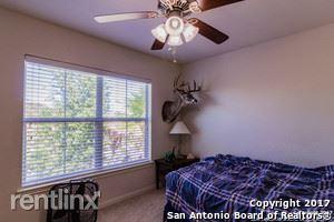 545 Stonebrook Dr, Cibolo, TX