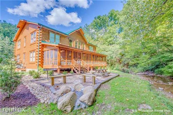 303 Caney Creek Road, Pigeon Forge, TN