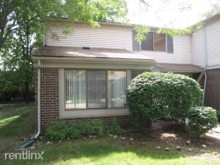 29718 Farmbrook Villa Ln, Southfield, MI