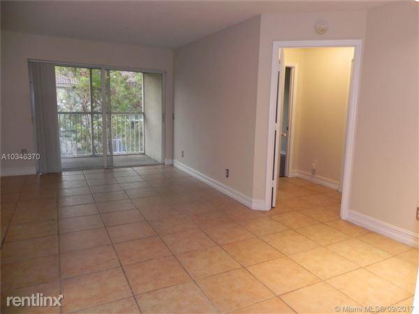 430 S Park Rd # 3-303, Hollywood, FL