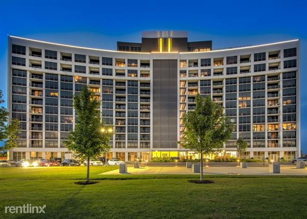 3400 W Stonegate Blvd 1107, Arlington Heights, IL