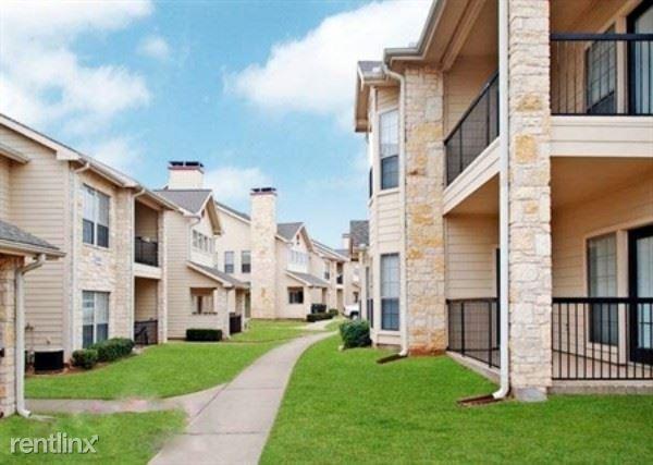 1220 Crawford Court, Granbury, TX