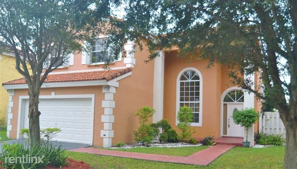 681 Rock Hill Ave, Davie, FL