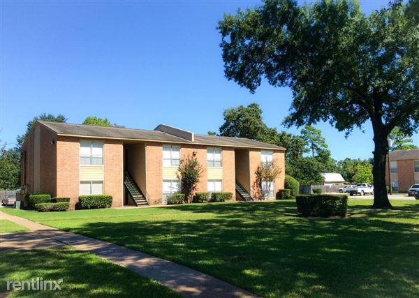 1700 Bob Smith Rd, Baytown, TX